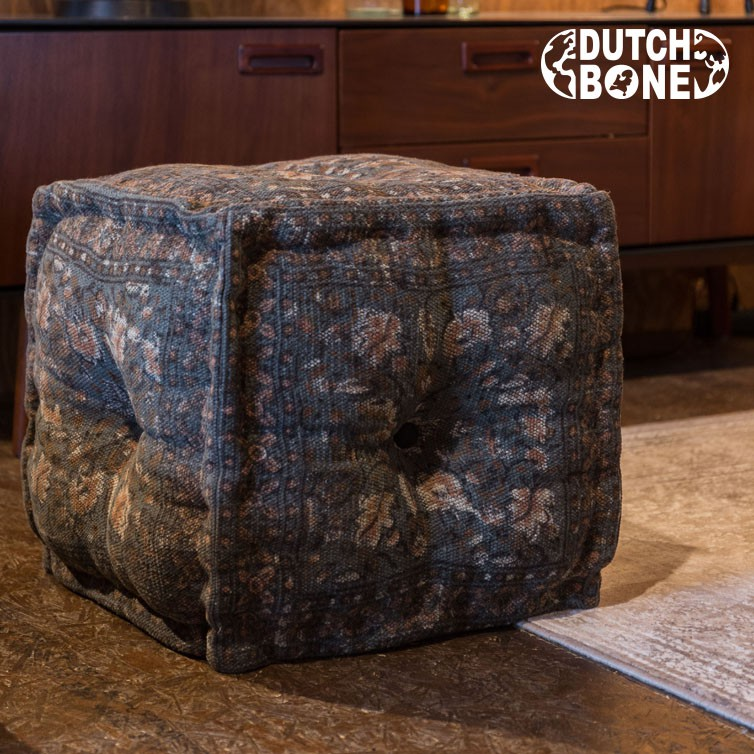 INDIAN-POUF-CARRE